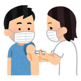 海外在住の日本人が一時帰国して空港でワクチン接種